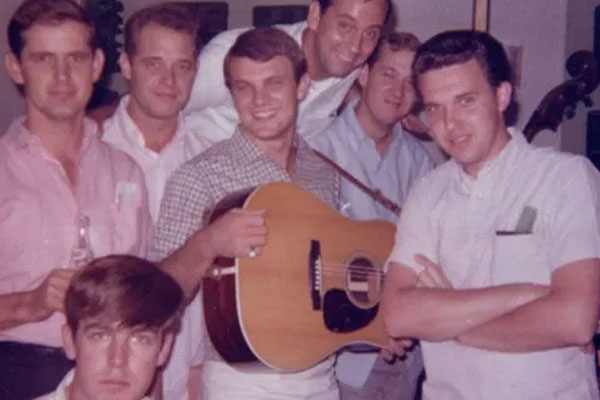 "The Original Muscle Shoals Rhythm Section (David Briggs, Jerry Carrigan*, Norbert Putnam, Terry Thompson*, and friends Earl ""Peanutt"" Montgomery, Joe South*, Reggie Young*)"